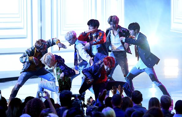 防弾少年団「2017 American Music Awards - Show」:写真・画像(7)[壁紙.com]