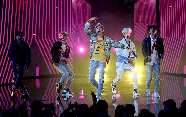 防弾少年団「2017 American Music Awards - Show」:写真・画像(10)[壁紙.com]