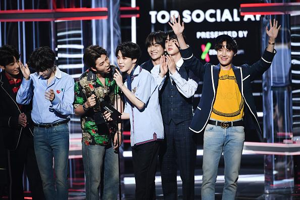 防弾少年団「2018 Billboard Music Awards - Show」:写真・画像(9)[壁紙.com]