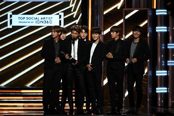 防弾少年団「2017 Billboard Music Awards - Show」:写真・画像(15)[壁紙.com]