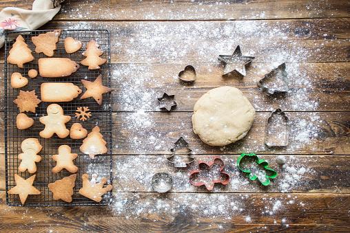 Gingerbread Cookie「Baking gingerbread cookies」:スマホ壁紙(11)