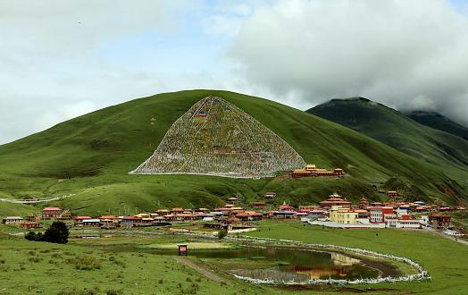 Steep「Scenery of Gankangding County,Sichuan Province,China」:スマホ壁紙(2)