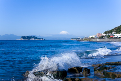 かまくら「Scenery of Sea Coast, Mt. Fuji in Background」:スマホ壁紙(6)