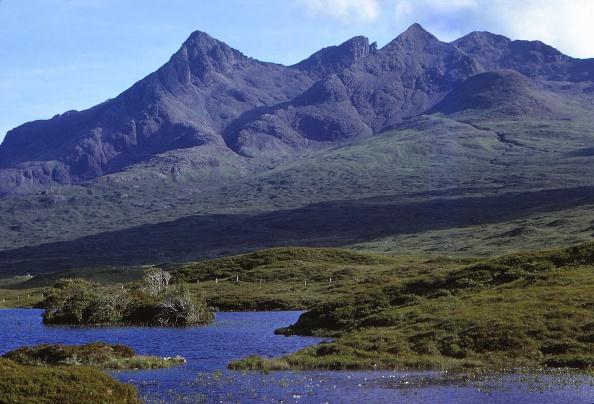 Superb view「Corries In The Black Cuillin Hills」:写真・画像(1)[壁紙.com]