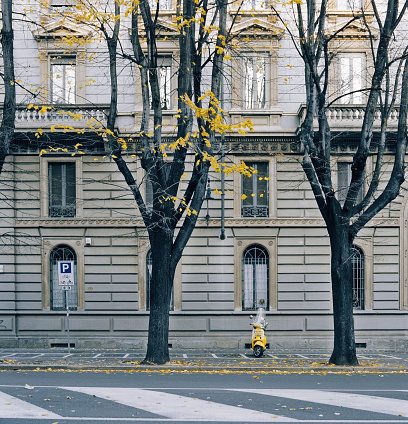 Italian Culture「Yellow scooter parked in Milan, Italy」:スマホ壁紙(15)