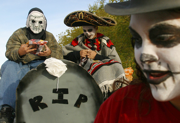 Albuquerque - New Mexico「People March In Day Of The Dead Parade」:写真・画像(10)[壁紙.com]