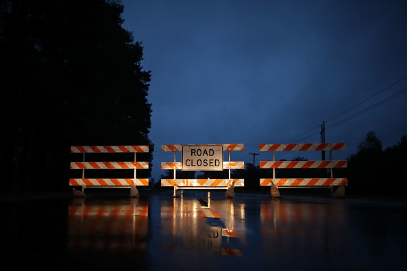 Chip Somodevilla「Carolinas' Coast Line Recovers From Hurricane Florence, As Storm Continues To Pour Heavy Rain On The States」:写真・画像(7)[壁紙.com]