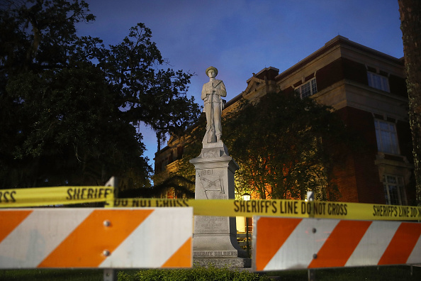 Statue「Monuments To The Confederacy In Question As Cities Across Country Debate Taking Them Down In Wake Of Charlottesville」:写真・画像(17)[壁紙.com]