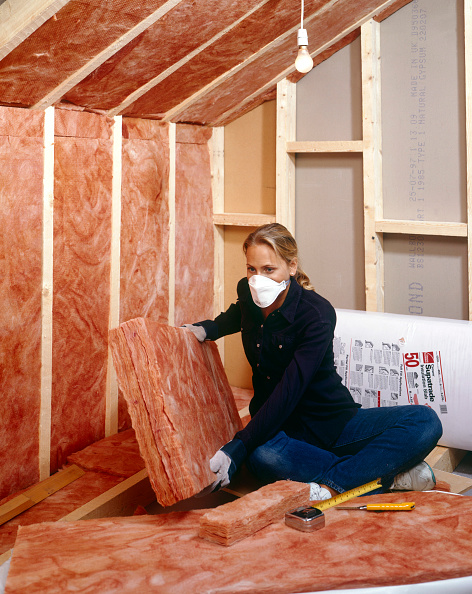 DIY「Insulating Installing quilt loft-insulation to a roof space」:写真・画像(8)[壁紙.com]