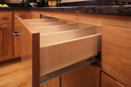 Deciduous tree「Custom kitchen cabinetry and utensil drawer.」:スマホ壁紙(10)