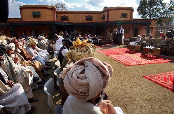 Taliban「Tribal Leaders In North Waziristan Meet With Pakistani Military」:写真・画像(11)[壁紙.com]
