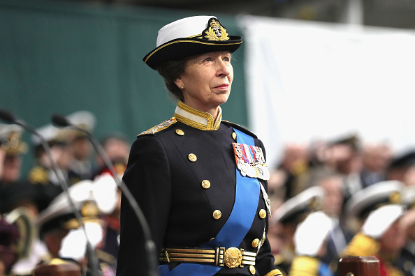 Princess Anne - Princess Royal「The Queen And The Princess Royal Visit HM Naval Base In Portsmouth」:写真・画像(4)[壁紙.com]