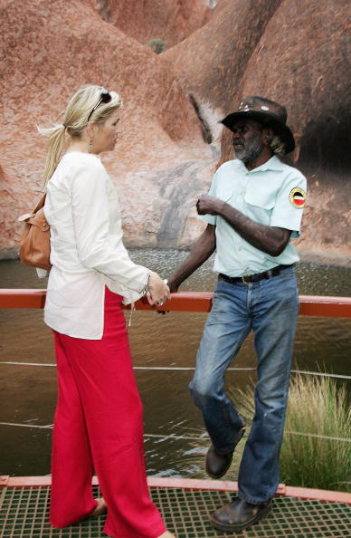 October「Dutch Royals Visit Australia & New Zealand - Day 2 Uluru/Ayers Rock」:写真・画像(8)[壁紙.com]