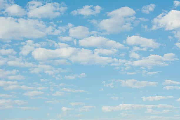 Clouds in blue sky:スマホ壁紙(壁紙.com)