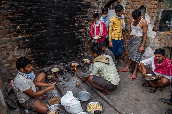 Tortilla - Flatbread「India Eases Lockdown Amid The Coronavirus Pandemic」:写真・画像(13)[壁紙.com]