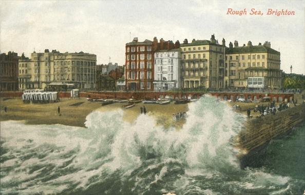 Water's Edge「Rough Sea」:写真・画像(1)[壁紙.com]