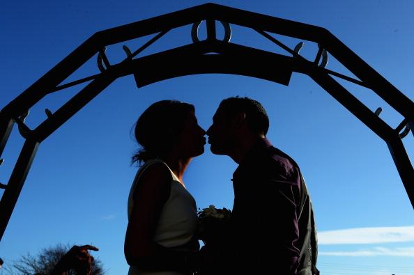 バレンタイン「Couples Get Married At Gretna Green On Valentines Day」:写真・画像(19)[壁紙.com]