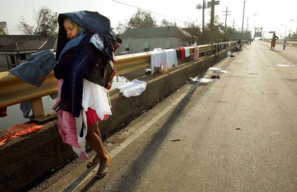 Recovery「Hurricane Katrina Hits Gulf Coast」:写真・画像(16)[壁紙.com]
