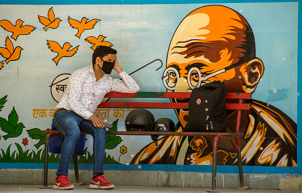 Bench「India Imposes Nationwide Lockdown To Contain The Coronavirus Pandemic」:写真・画像(6)[壁紙.com]