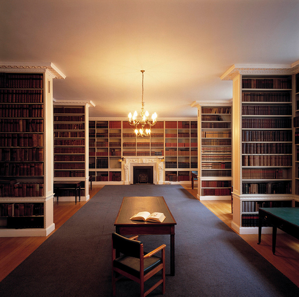 Blank「Library and reading desk. Royal Institution of Great Britain. 21 Albemarle Street, London, United Kingdom.」:写真・画像(8)[壁紙.com]