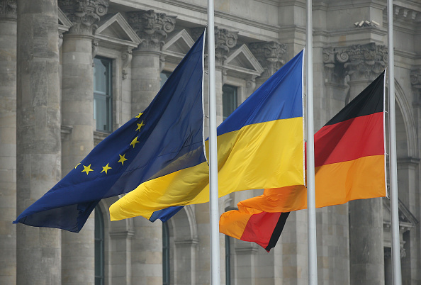 European Union「Bundestag Debates EU Association Agreement For Ukraine, Moldova and Georgia」:写真・画像(2)[壁紙.com]