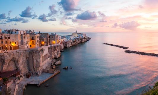 Townscape「Vieste, Promontorio del Gargano, Puglia, Italy」:スマホ壁紙(13)