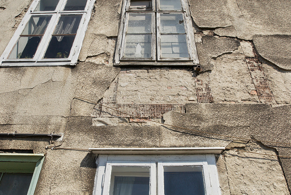 Townhouse「Crumbling render on a townhouse, Gdansk, Poland」:写真・画像(19)[壁紙.com]