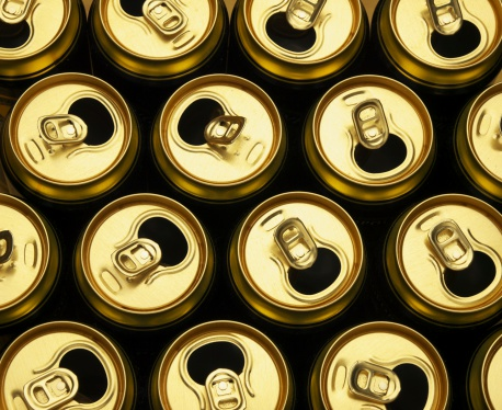 Drinking「Tops of copper colored beer cans」:スマホ壁紙(18)
