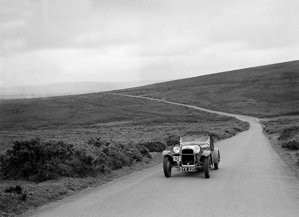 T 「Peter Clark's HRG, winner of a silver award at the MCC Torquay Rally, July 1937」:写真・画像(5)[壁紙.com]