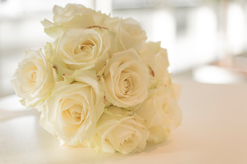 結婚「Bunch of white roses」:スマホ壁紙(16)