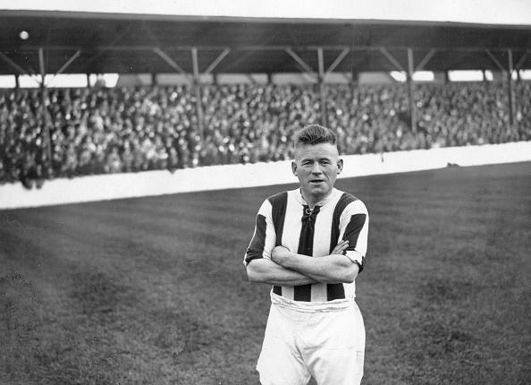 Francis M. R「Soccer Player」:写真・画像(3)[壁紙.com]