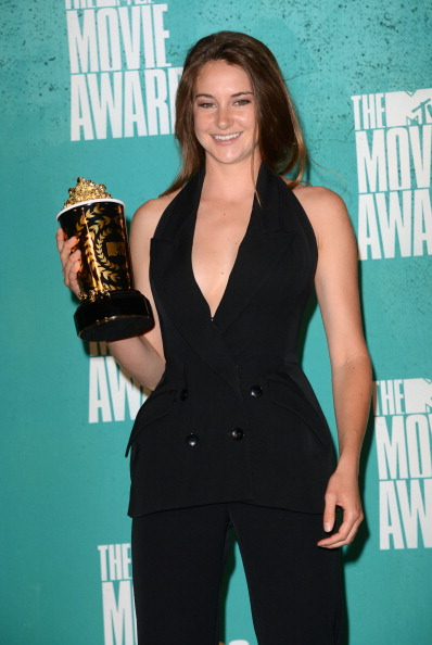 Double Breasted「2012 MTV Movie Awards - Press Room」:写真・画像(15)[壁紙.com]