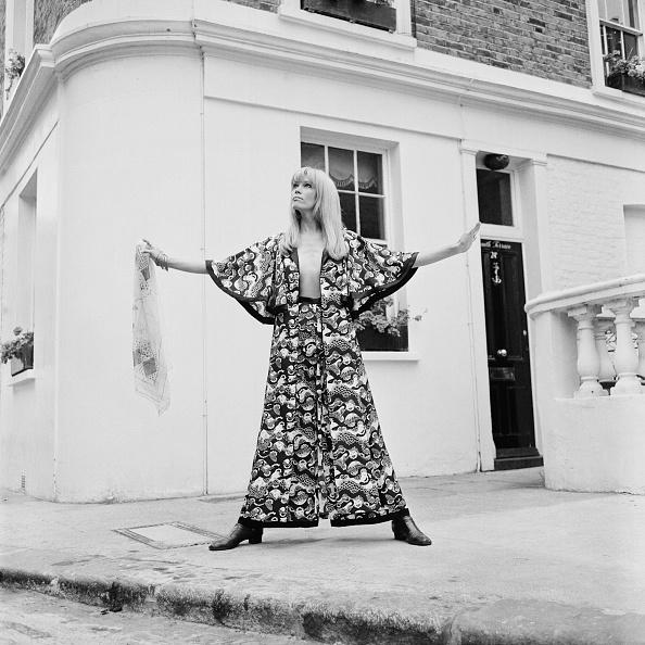 Fashion Model「Lear In Ossie Clark」:写真・画像(8)[壁紙.com]