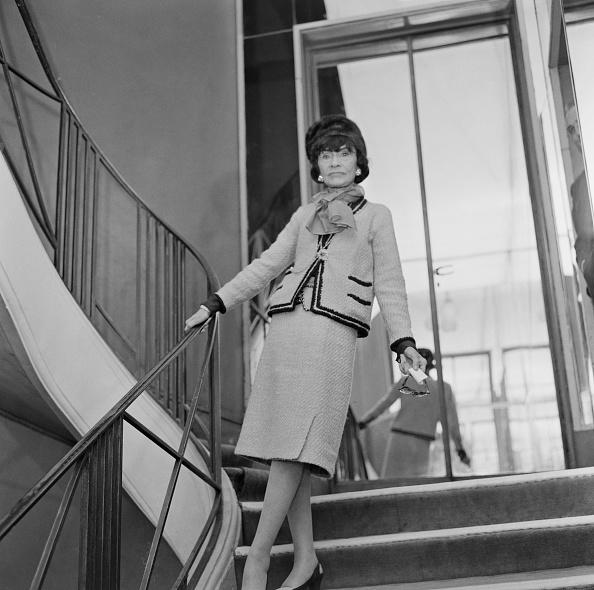Staircase「Coco Chanel」:写真・画像(0)[壁紙.com]