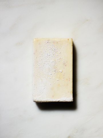 Soap「A frozen rectangular object on white marble background」:スマホ壁紙(10)