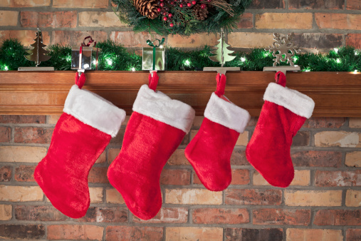 Christmas Stocking「Christmas, Red Stockings, Brick Wall, Mantel, Decorations」:スマホ壁紙(12)