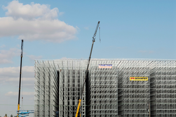 Convenience「Cold storage plant under construction in Wisbech, Norfolk, UK. A 77,000 pallet location with deep freeze storage for potatoes, frozen vegetables, fish and convenience foods. 35 metres high, and a 14,500 square metre footprint.」:写真・画像(13)[壁紙.com]