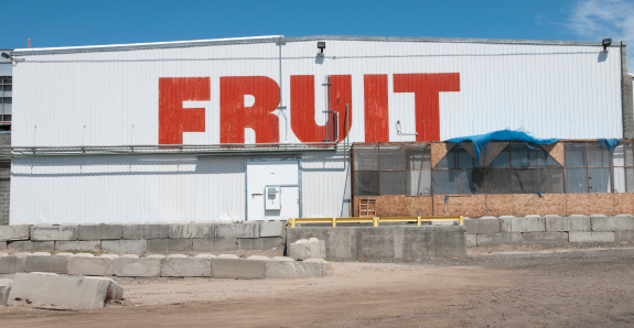Supermarket「Cold storage plant for fruit in central Washington state」:スマホ壁紙(7)