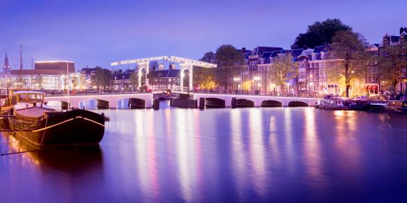 Amsterdam「Magere Brug or Skinny Bridge in Amsterdam Holland」:スマホ壁紙(0)