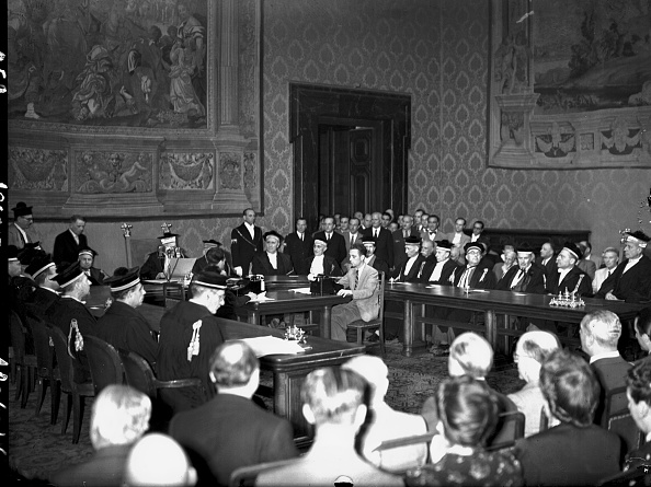 Public Building「Republic referendum in Italy, court of cassation reads favorable votes, Rome 1946」:写真・画像(6)[壁紙.com]