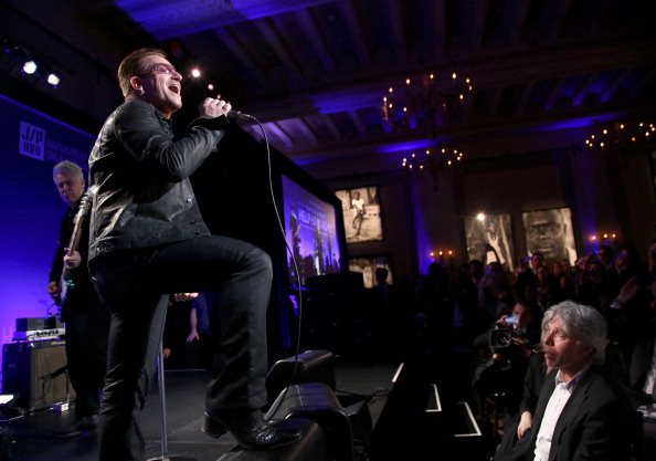 Making Money「3rd Annual Sean Penn & Friends HELP HAITI HOME Gala Benefiting J/P HRO Presented By Giorgio Armani - Inside」:写真・画像(5)[壁紙.com]