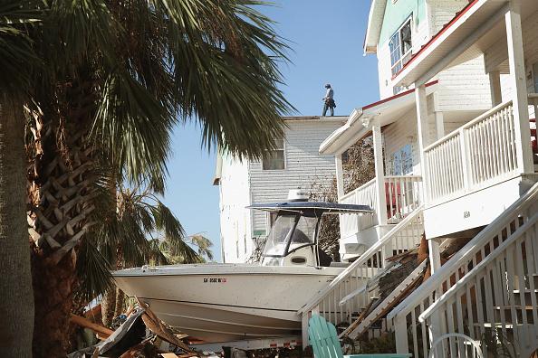 Scott Olson「Recovery Efforts Continue In Hurricane-Ravaged Florida Panhandle」:写真・画像(7)[壁紙.com]