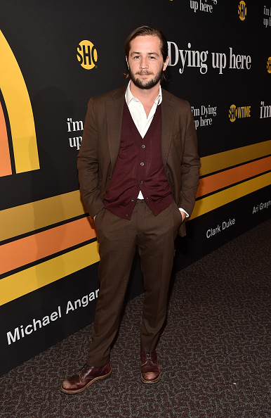 """Sweater「Premiere Of Showtime's """"I'm Dying Up Here"""" - Red Carpet」:写真・画像(14)[壁紙.com]"""