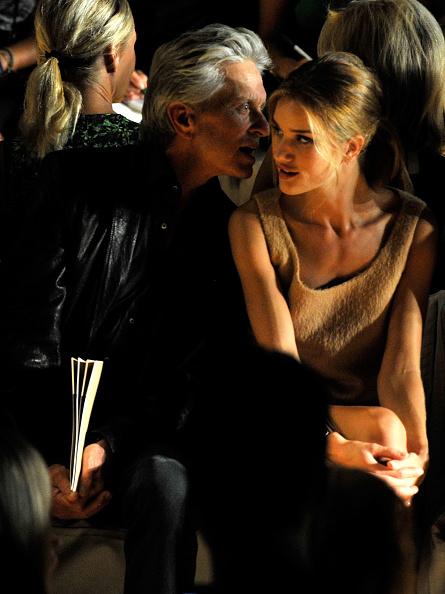 Rosie Huntington-Whiteley「Michael Kors - Front Row - Spring 2012 Mercedes-Benz Fashion Week」:写真・画像(12)[壁紙.com]