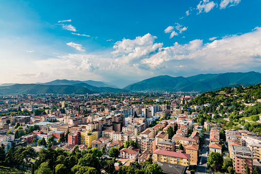 Lombardy「Italy, Brescia, view to the city from Colle Cidneo」:スマホ壁紙(17)