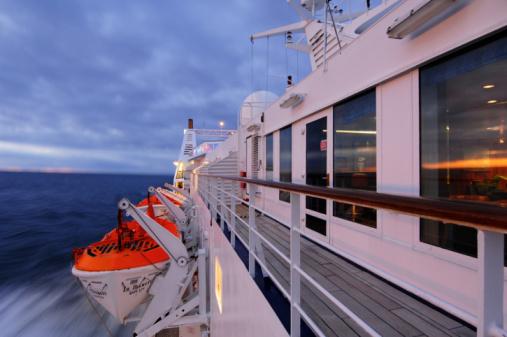 Aboard「Ship's deck in sunrise, 」:スマホ壁紙(13)