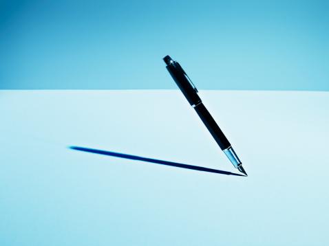 Blue Background「Fountain pen casting shadow」:スマホ壁紙(9)