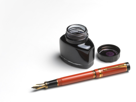 Fountain Pen「Fountain pen and ink well with copy space」:スマホ壁紙(8)