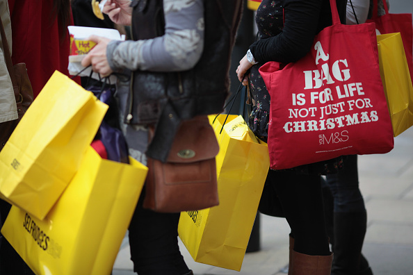 Retail「Christmas Splurge As High Street Takes Estimated £120 Million In Two Days」:写真・画像(5)[壁紙.com]