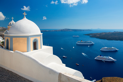 Whitewashed「Greece, Santorini, Fira (Thera), church domes」:スマホ壁紙(7)